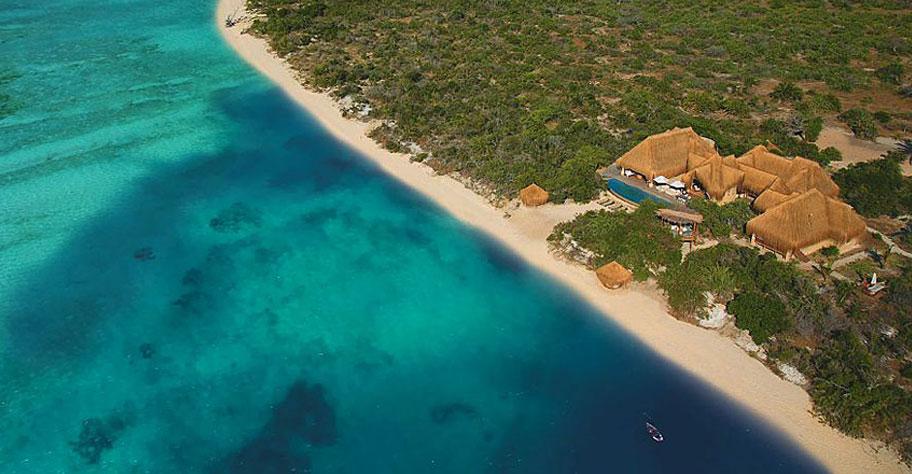Azura Lodge Mozambique, einsamer Strand mit Traum Resort