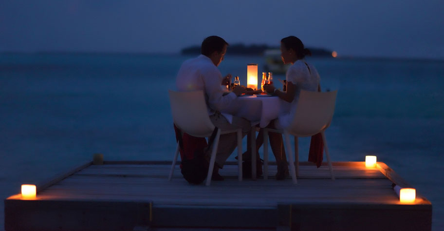 Madagaskar Honeymoon Candle Light Dinner