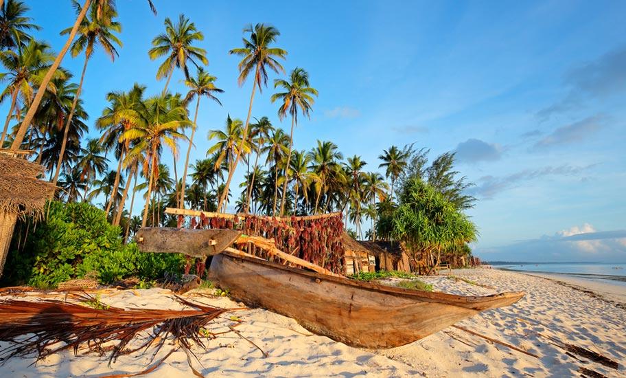 Badeurlaub Sansibar Abendstimmung am Strand